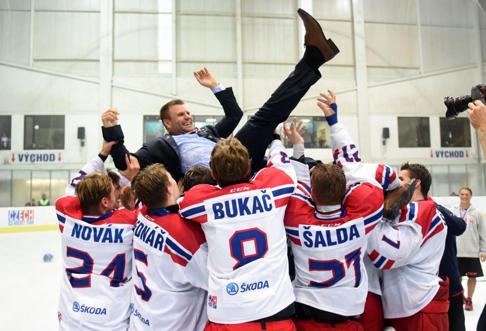 czech-coach-celebration